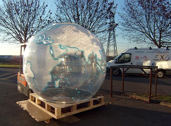 courreges_globe_transport-120