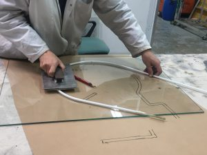 Travail forme tube à plat