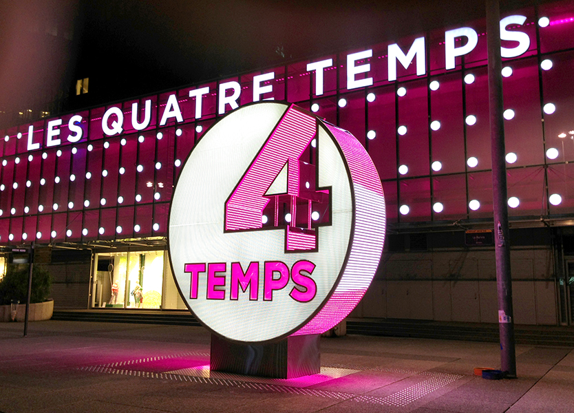 4-Temps-Totem-Media-facade