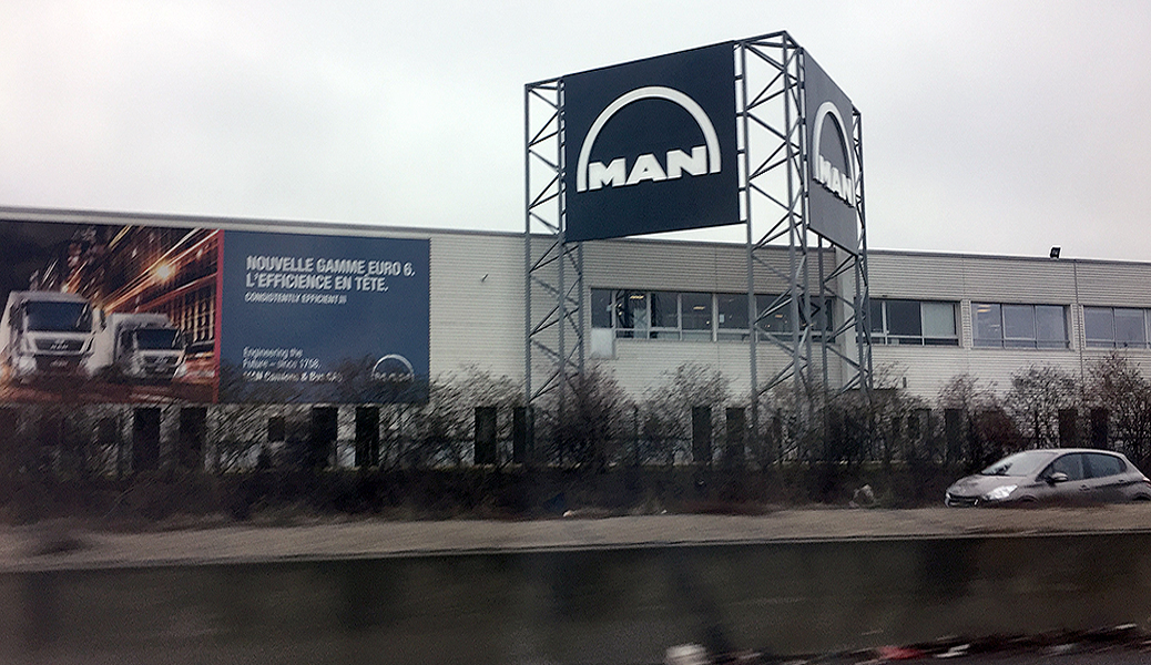 MAN_Totem_Vue-autoroute
